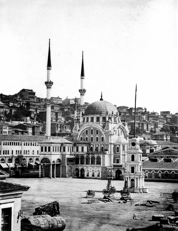 Nusretiye Moschee in Tophane, 1870
